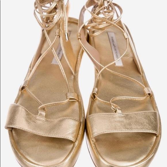 d73f467954e7b Diane Von Furstenberg Gold Susie Metallic Sandals